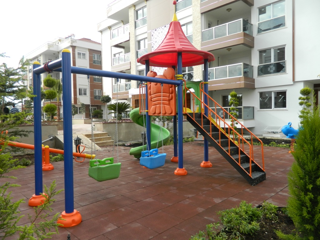 Outdoor Playground & Fitness